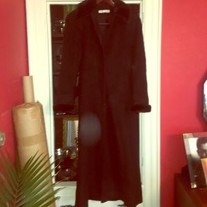 Jackets & Blazers - Full length black wool dress coat w faux fur trim